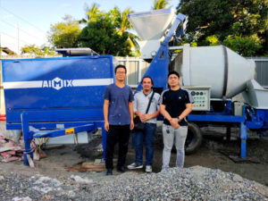 Филиппины: бетоносмеситель с насосом